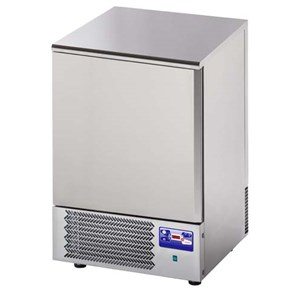 BLAST CHILLER - MOD.AB05 - Air-cooled - Tray capacity: N.5 x GN 1/1 (cm 53x32,5) or N. 5 cm 60x40 - Blast chilling: +70° +3° (Kg.20) - Shock freezing: +70° -18° ( Kg 11 ) - External dimensions: cm L 77 x D 76x h 86/90 - CE approved