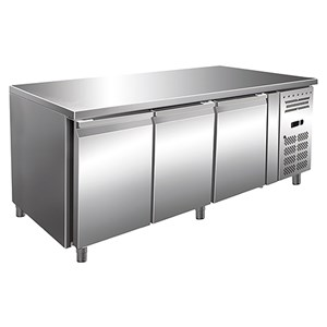 REFRIGERATED COUNTER - AISI 304 STAINLESS STEEL - VENTILATED COOLING - Mod.ECZ3100TN - GASTRONORM 1/1(cm 53 x 32,5) - N. 3 DOORS - CAPACITY Lt 465 - TEMPERATURE -2°/+8°C - Dim. cm. L 179,5 x D 70 x h 86 - CE approved